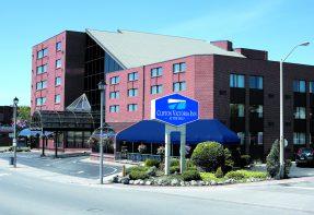 Clifton Victoria Inn at the Falls, Niagara Falls Hotel
