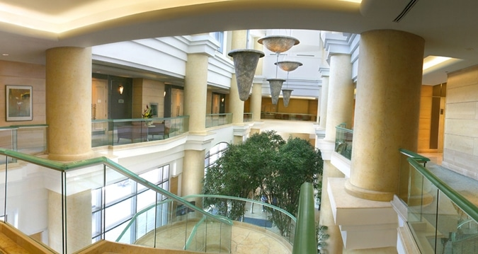 Hilton Niagara Falls Lobby