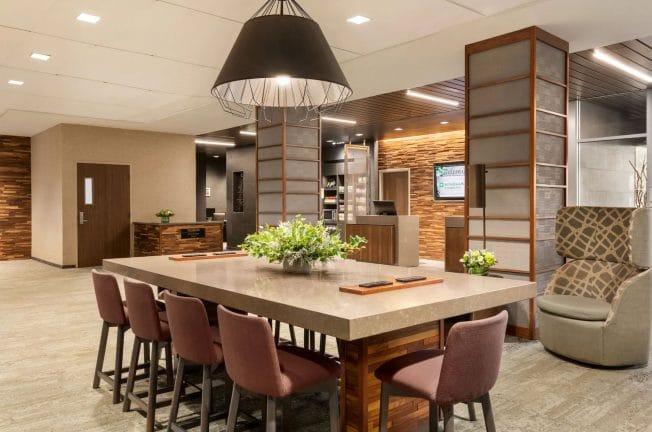 Wyndham Lobby Lounge
