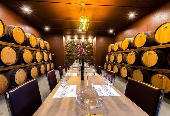 Niagara Falls Wineries - Joseph's Estate Tasting Room