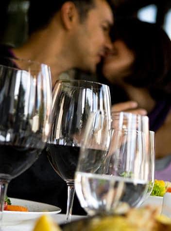 Wine & Dine in these great Niagara Falls Restaurants