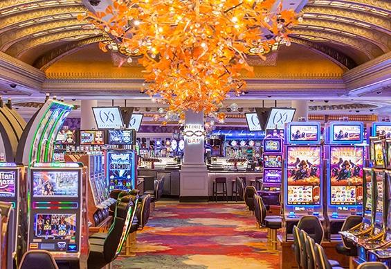 Infinity Bar in Fallsview Casino
