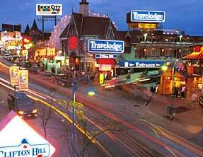 Niagara Falls Hotel - Travelodge Clifton Hill