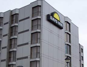Days Inn Near the Falls Hotel